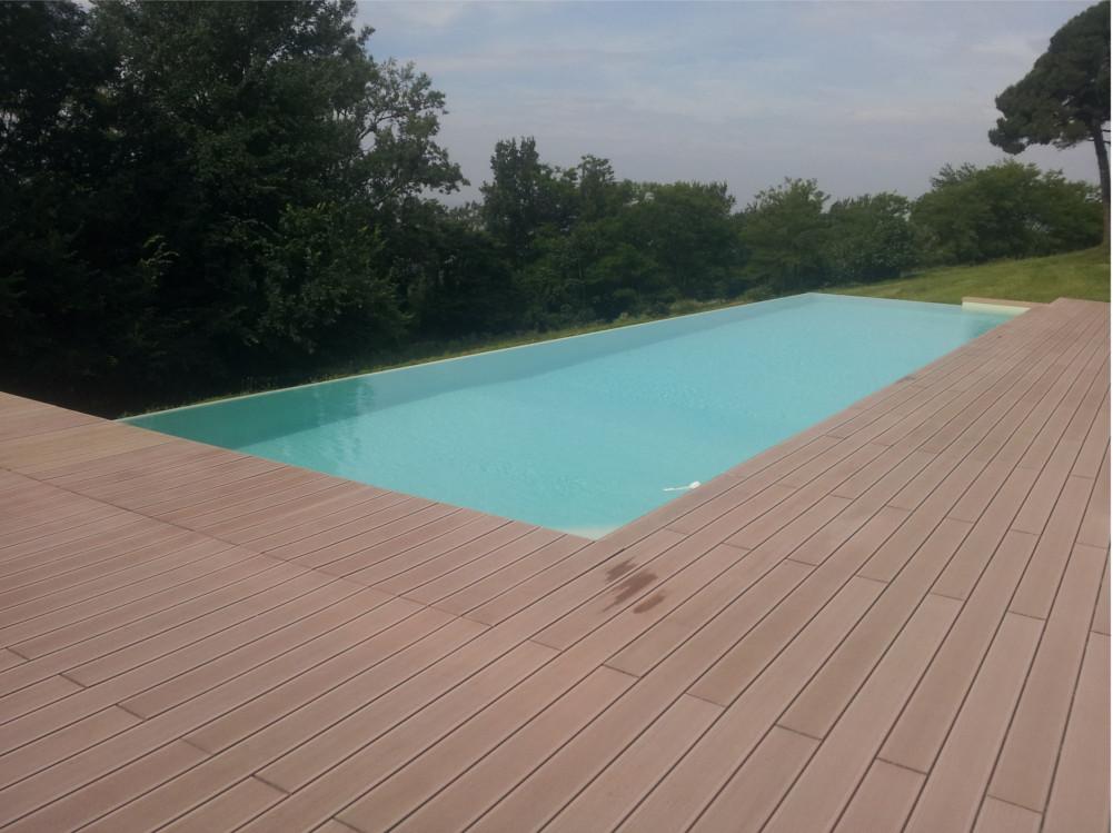 deck legno ricostruito