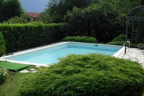 piscina interrata, tipologia a skimmer