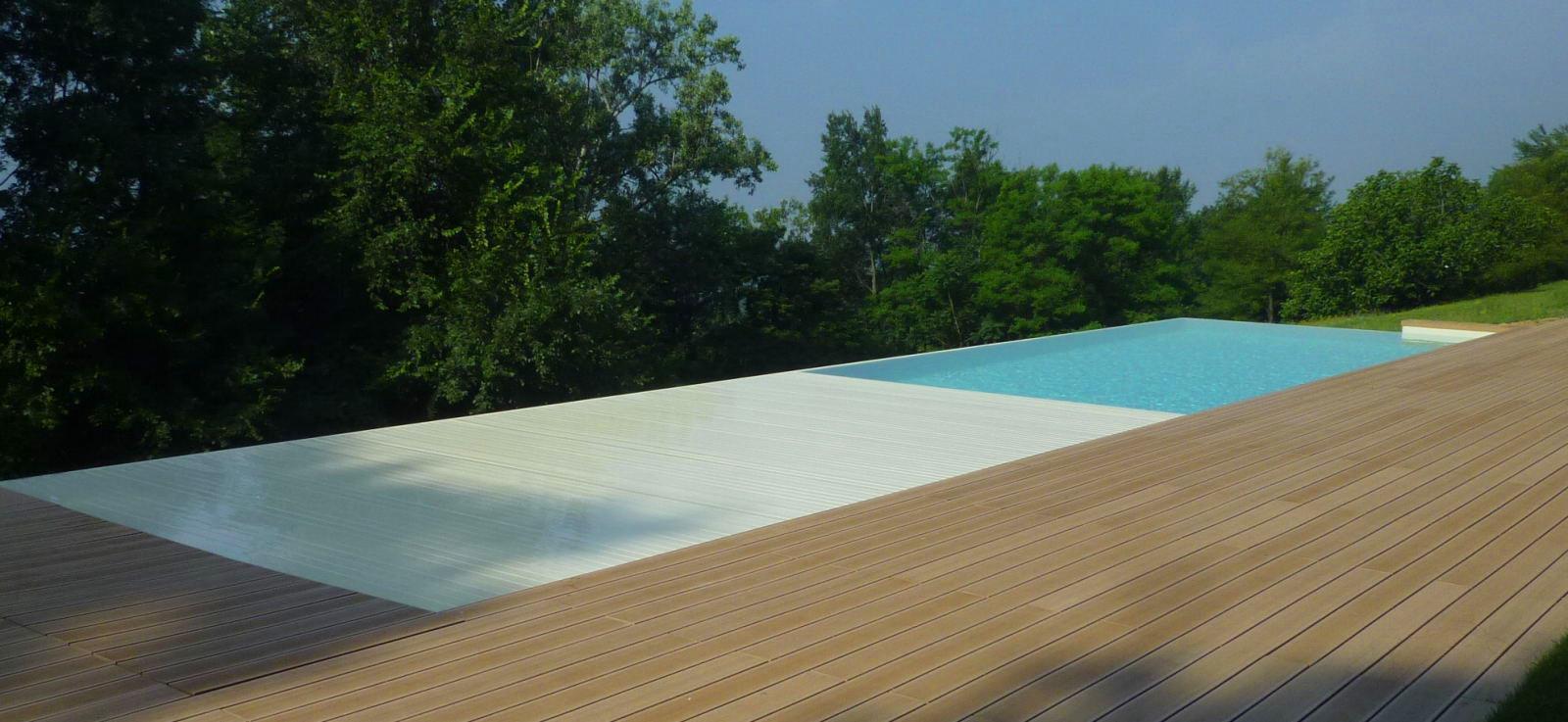 Esempio di copertura per piscina realizzata da Acqua SPA