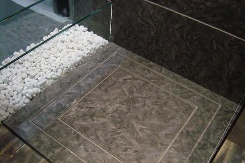 particolare doccia resina