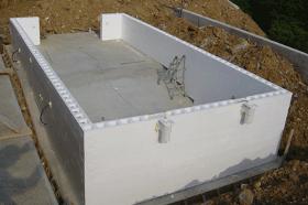 ralizzazione piscina isoblok